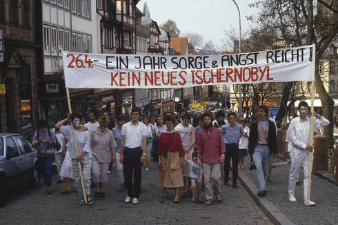 Marburg 1987: Demonstration gegen Atomkraft